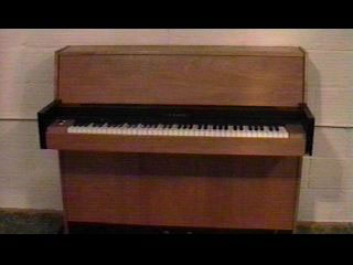 Simon S Hall Of Electric Pianos